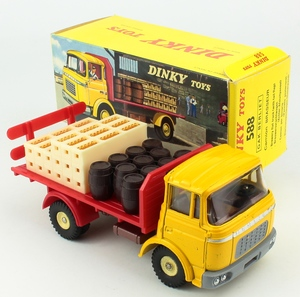 French dinky 588 berliet beer lorry yy29