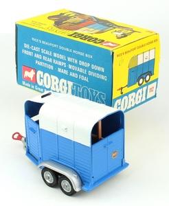 Corgi toys 1112 double horse box yy6431