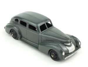 Dinky toys 39e chrysler royal sedan yy650