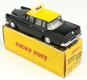 Nicky dinky 051 mercedes taxi yy7851