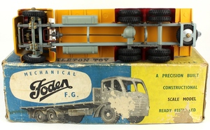Shackleton foden model trailer yellow zz342