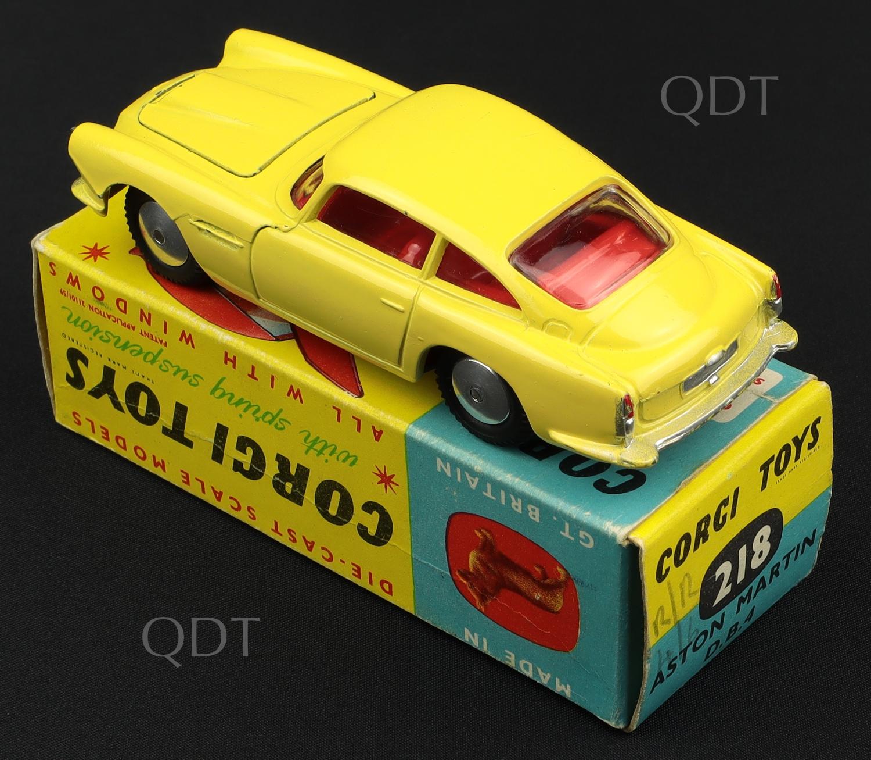 Corgi Toys 218 Aston Martin DB4